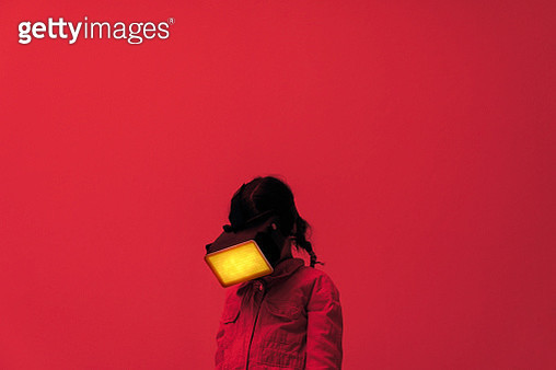 Child wearing virtual reality glasses - gettyimageskorea