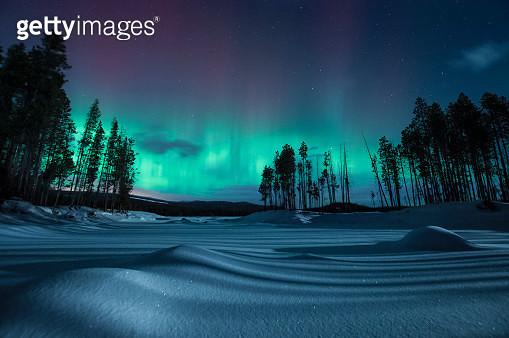 Geomagnetic storm at night, Penticton, British Columbia, Canada - gettyimageskorea
