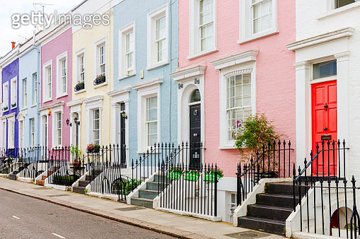 Colorful townhouses in London, UK - gettyimageskorea