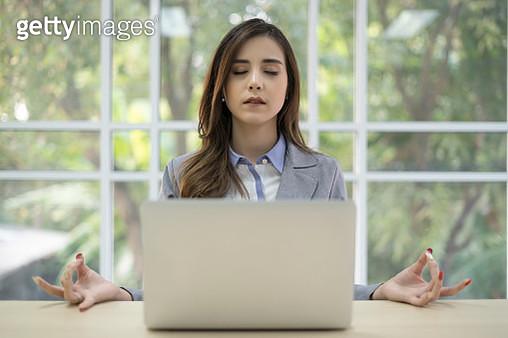 Yoga in office - gettyimageskorea