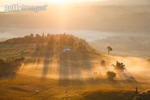 Fog In Morning Sunrise At Takhian Ngo View Point - gettyimageskorea