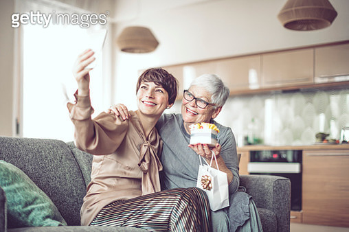 Happy family - gettyimageskorea