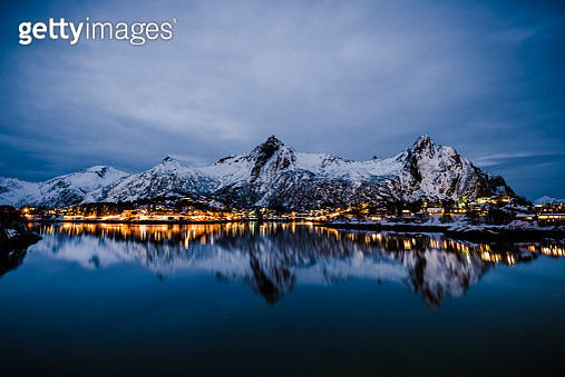 Nighttime view over the town of Svolvaer in the Lofoten in Norway - gettyimageskorea