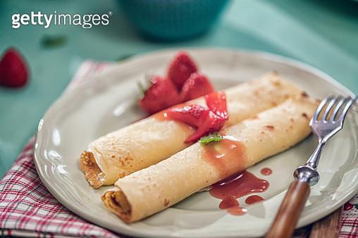 Crêpes with Fresh Raspberries - gettyimageskorea