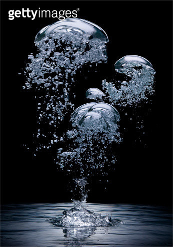Bubbles forming above water - gettyimageskorea