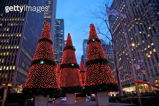 Holiday display at 1211 Avenue of the Americas, New York, NY, USA - gettyimageskorea