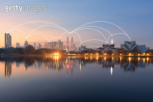 Wireless communication network in Big city concept. IoT(Internet of Things). ICT(Information Communication Technology) - gettyimageskorea