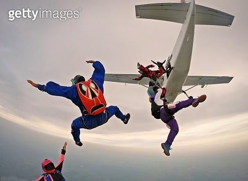 Skydiving funny - gettyimageskorea