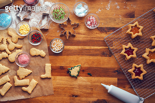 Preparing Christmas Cookies with Marmalade in Domestic Kitchen - gettyimageskorea