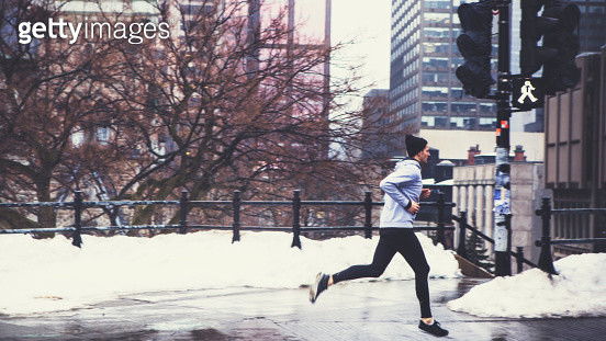 Morning Run Downtown - gettyimageskorea