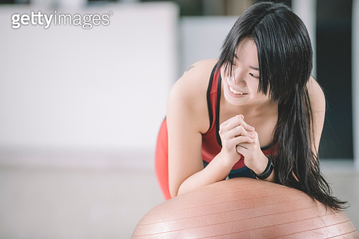 an asian chinese teenager girl workout with pilate fitness ball - gettyimageskorea