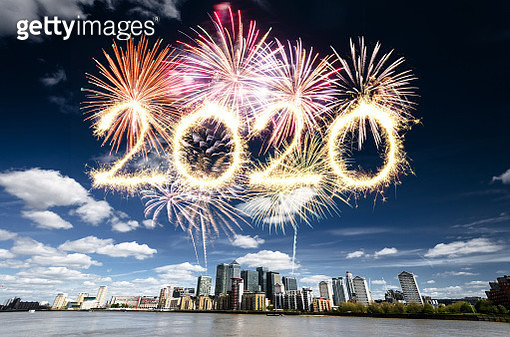 fireworks in london for 2020 new year in canary wharf - gettyimageskorea