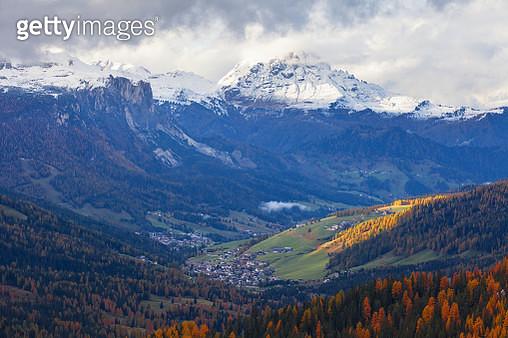 San Cassiano Village From Valporola Path, Dolomites - gettyimageskorea