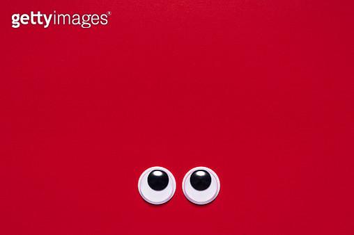 Googly Eyes Looking Up - gettyimageskorea
