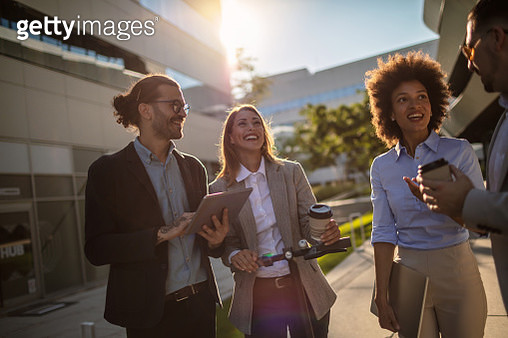 Group of business professionals are discussing strategies. - gettyimageskorea