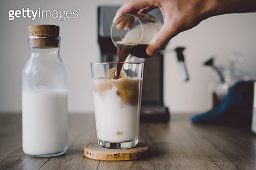 How to make ice coffee - gettyimageskorea