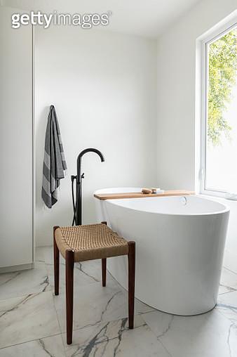 Modern home showcase bathroom with soaking tub - gettyimageskorea