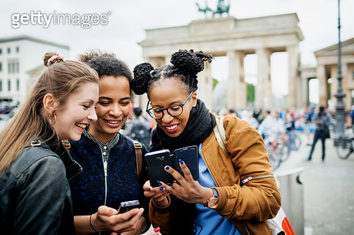 A Group Of Friends Exploring Berlin - gettyimageskorea
