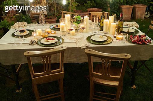 Still life of a dressed dining table set for six people - gettyimageskorea