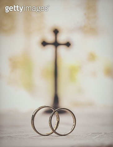 Close-Up Of Wedding Rings - gettyimageskorea
