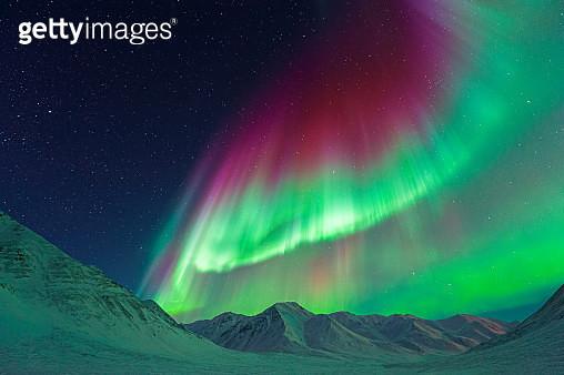 Strong Aurora Borealis - Alaska, USA - gettyimageskorea