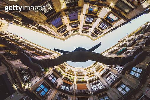 Traveling in Barcelona city. - gettyimageskorea