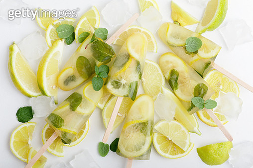 Green tea ice lollies with  lemon and mint - gettyimageskorea