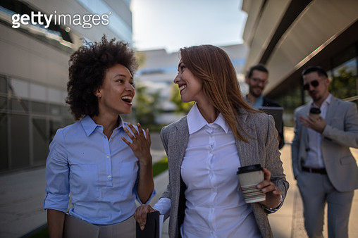 Group of young businesspeople on a coffee break - gettyimageskorea