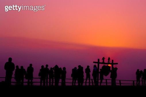 Silhouettes Of Many People Beautiful Sky - gettyimageskorea
