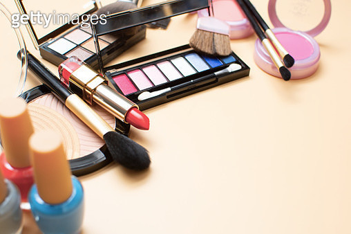 Set cosmetics makeup, brush, eye shadow and lipstick - gettyimageskorea