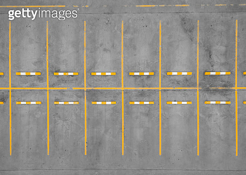 aerial top view car park road dividing line yellow without cars. - gettyimageskorea