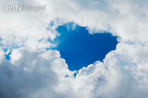 image of heart with cloud - gettyimageskorea