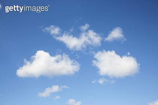Full frame shot of blue sky and clouds, abstract background - gettyimageskorea