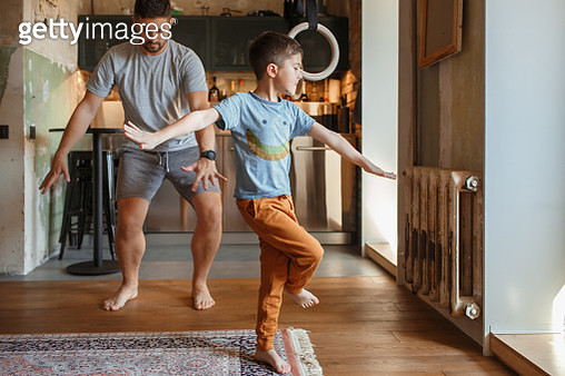 A father with a little son having fun together - gettyimageskorea