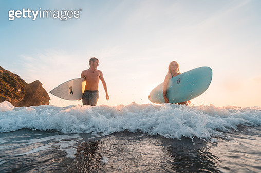 Enjoying weekends by surfing. - gettyimageskorea
