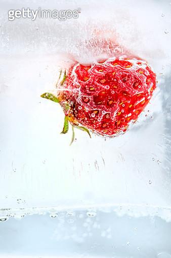 Frozen strawberries - gettyimageskorea