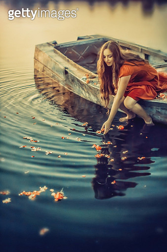 Girl in a boat - gettyimageskorea