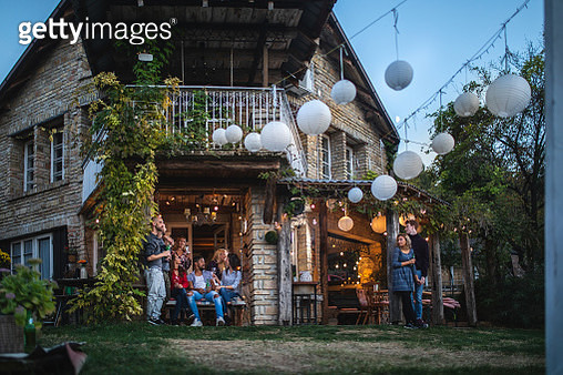 Friends and couples at a house party - gettyimageskorea