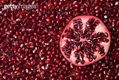 Full Frame Shot Of Pomegranates - gettyimageskorea