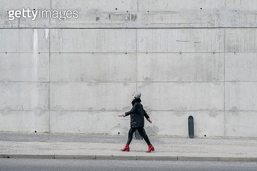 Young fashionable woman with skateboard - gettyimageskorea