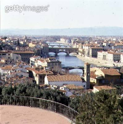 <b>Title</b> : View of the river Arno from the Piazzale Michelangelo (photo)<br><b>Medium</b> : photo<br><b>Location</b> : Florence, Italy<br> - gettyimageskorea