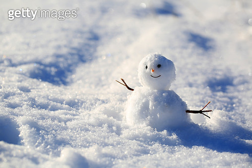 Funny snowman on the snow background - gettyimageskorea