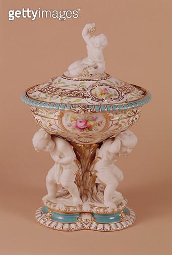 <b>Title</b> : Minton vase, c.1854 (porcelain)<br><b>Medium</b> : <br><b>Location</b> : Victoria & Albert Museum, London, UK<br> - gettyimageskorea