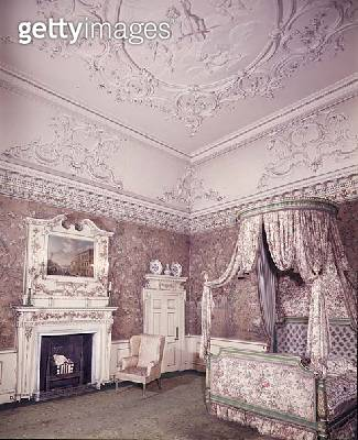 <b>Title</b> : The State Bedroom with ceiling by James Paine (1717-89) and chinese wallpaper by Robert Adam (1728-92) c.1760-70 (photo)Addition<br><b>Medium</b> : <br><b>Location</b> : Nostell Priory, Yorkshire, UK<br> - gettyimageskorea