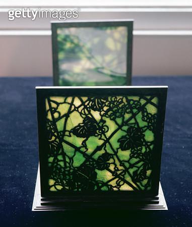 Art Nouveau bookends/ Tiffany Studios/ c.1894 (leaded glass) - gettyimageskorea